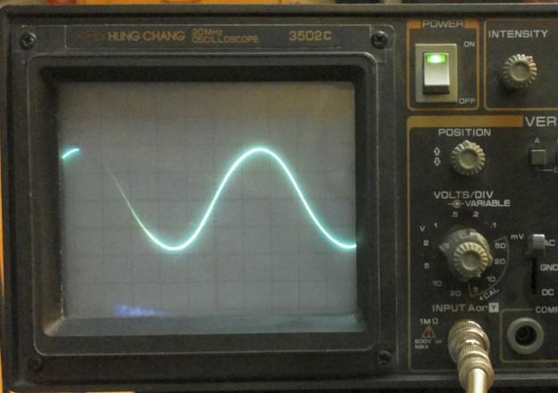 Sygnał na wyjściu układu przy częstotliwości 30Hz