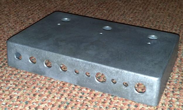 Switcher - powiercona obudowa